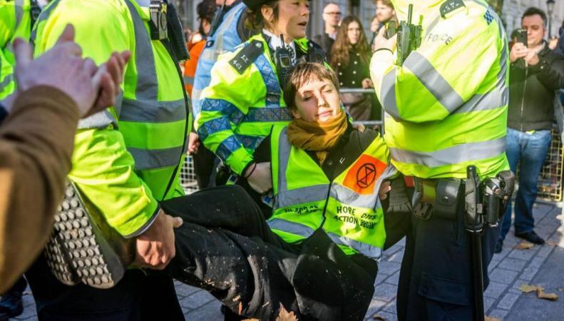 протест в Вестминстере
