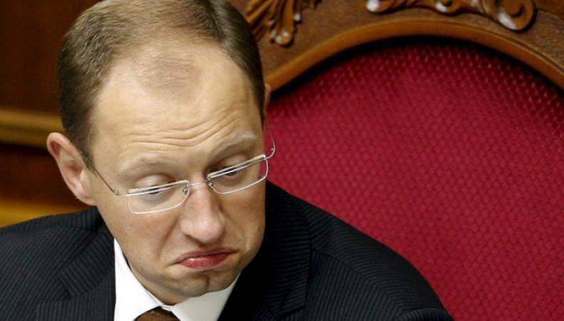 Яценюк обвинил Грецию, что она отвлекает внимание мира от Украины