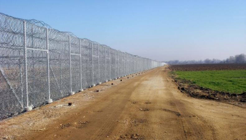 Забор на границе Болгарии с Турцией