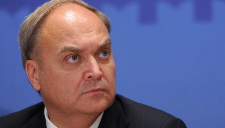 Заместитель министра обороны Анатолий Антонов