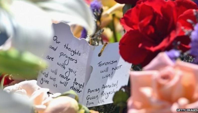 Весь мир скорбит о жертвах нападения в Тунисе