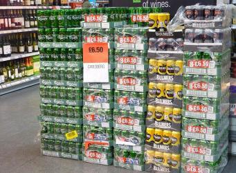 Англия последует примеру Шотландии в вопросе о минимальной цене алкоголя фото:dailymail.co.uk