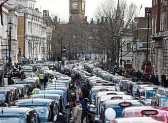 Uber лишился лицензии в Лондоне фото:standard.co.uk