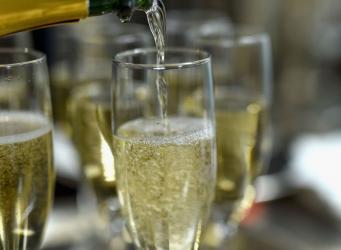 Французы признали англичан изобретателями шампанского