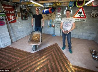 Житель графства Сомерсет нашел необычное применение двухпенсовым монетам фото:dailymail