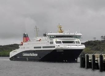 В Шотландии триста пассажиров оказались заблокированы на обесточенном пароме