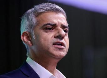 Садик Хан выступил на форуме в Давосе с резкой критикой плана Терезы Мэй по Brexit фото:bbc