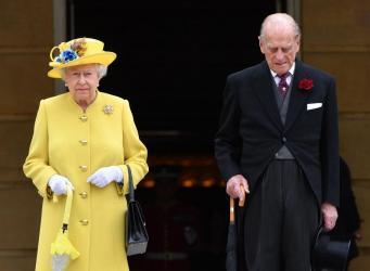 Королева Елизавета выразила соболезнования семьям погибших в манчестерском теракте фото:standard.co.uk