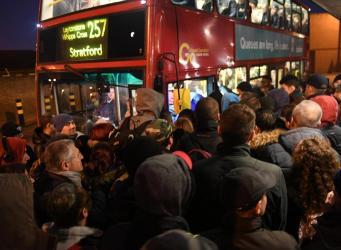 Забастовки работников метро и железной дороги стоили Лондону полмиллиарда фунтов стерлингов фото:standard.co.uk