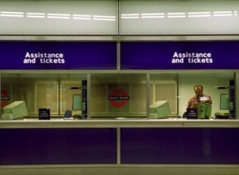 Мэрия Лондона отказалась от идеи заново открыть кассы в метро фото:itv